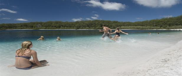 Fraser Island Lake McKenzie, Australia